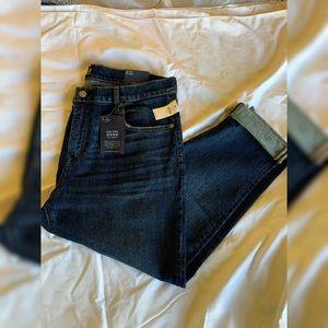 GAP Mid-Rise Girlfriend Jeans—NWT